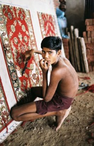 a-child-weaving-india